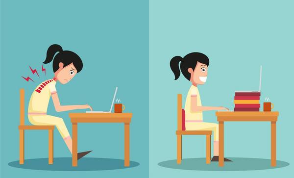 tjej som sitter vid en dator med fel respektive rätt sittställning
